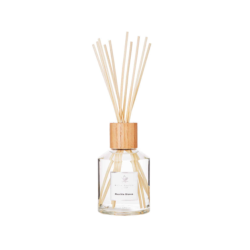White Moss Home Diffuser With Sticks