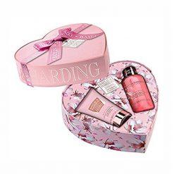 Baylis & Harding Pink Magnolia & Pear Blossom 2 Piece Small Heart Box Set